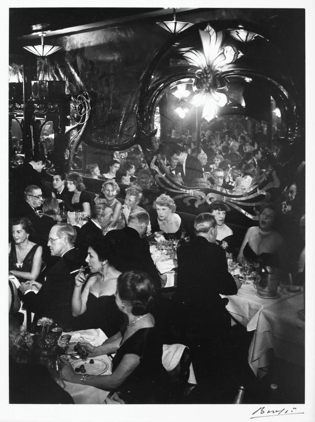Вечер в Максима, 1973. Фотограф Брассаи