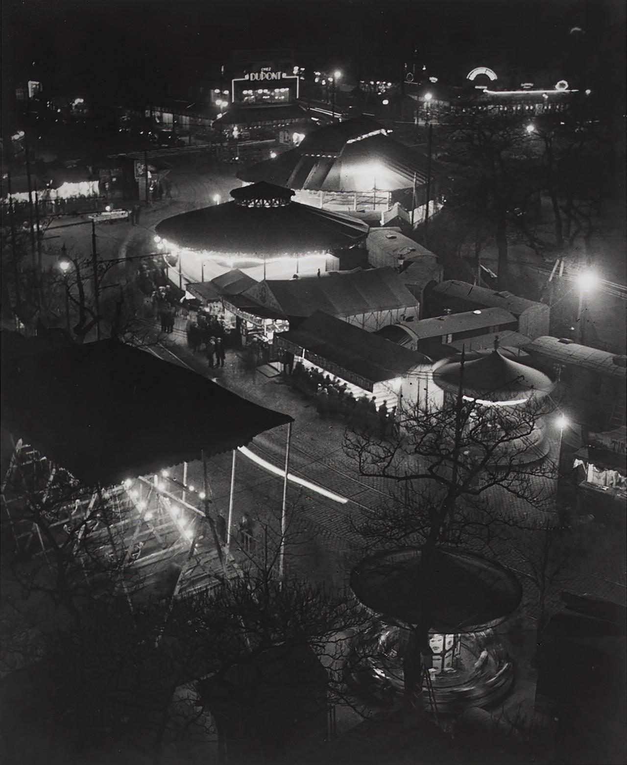 Ярмарка развлечений, 1931. Фотограф Брассаи