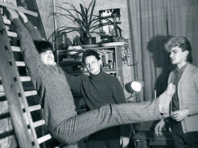 Неформальная домашняя фотосессия «Кино», 1985. Фотограф Наташа Васильева-Халл