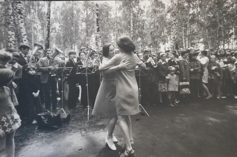 Танцы, 1970-е. Фотограф Ляля Кузнецова