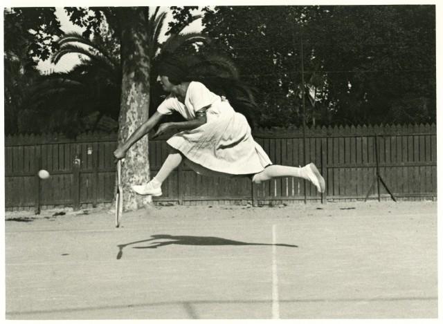Сюзанна Ленглен, Канны, 1921. Фотограф Жак Анри Лартиг