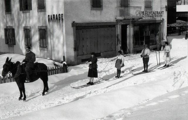 Берг, Ивонн, мадам Шаварель, Ле Боссон, Шамони, Франция, 1920. Фотограф Жак Анри Лартиг