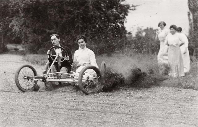 Гонки, 1911. Фотограф Жак Анри Лартиг