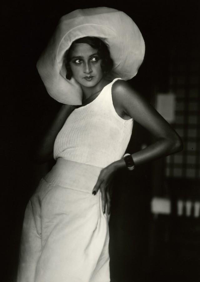 Рене, Биарриц, 1930. Фотограф Жак Анри Лартиг