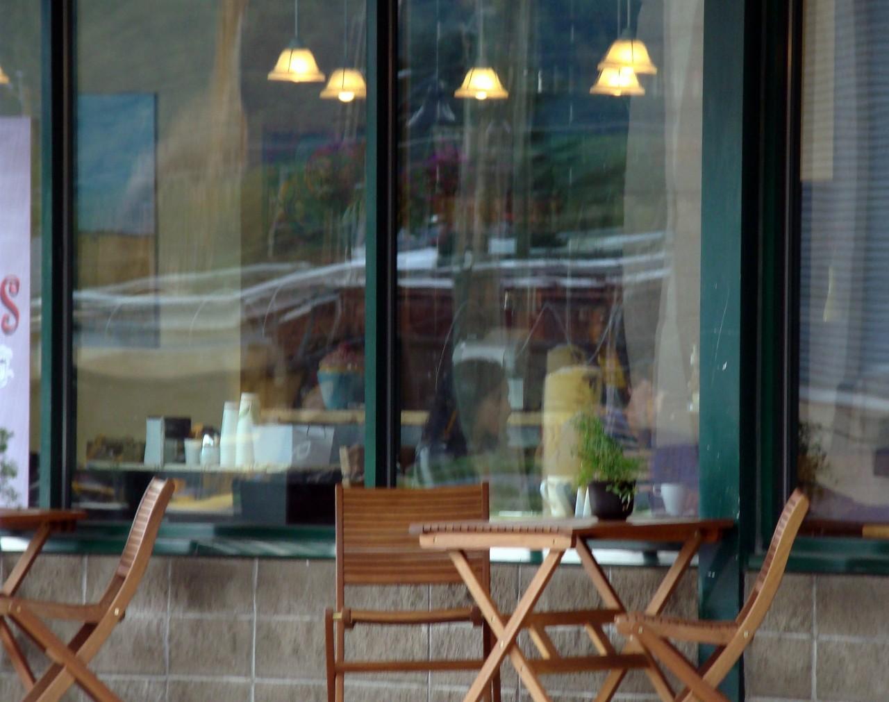 Терраса кафе. Фотограф Сол Лейтер