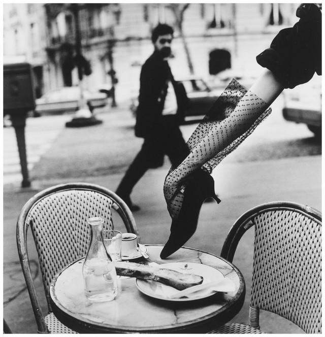 Рука в туфле, Париж, 1991. Фотограф Хельмут Ньютон
