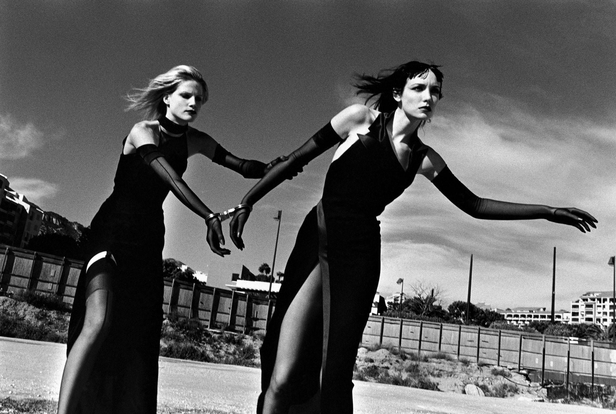 Съёмка для модельера Тьерри Мюглера, Монако, 1998. Фотограф Хельмут Ньютон