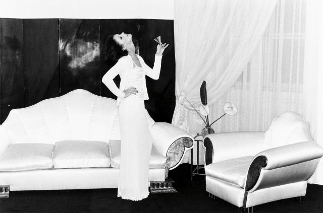 У Карла Лагерфельда, Париж, 1974. Фотограф Хельмут Ньютон