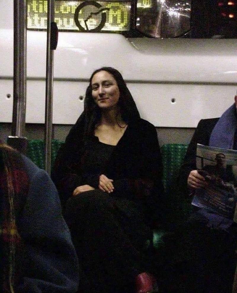 «Не знаю, попросить у неё автограф или сообщить в музей, что видел её в метро». Автор daft-punker