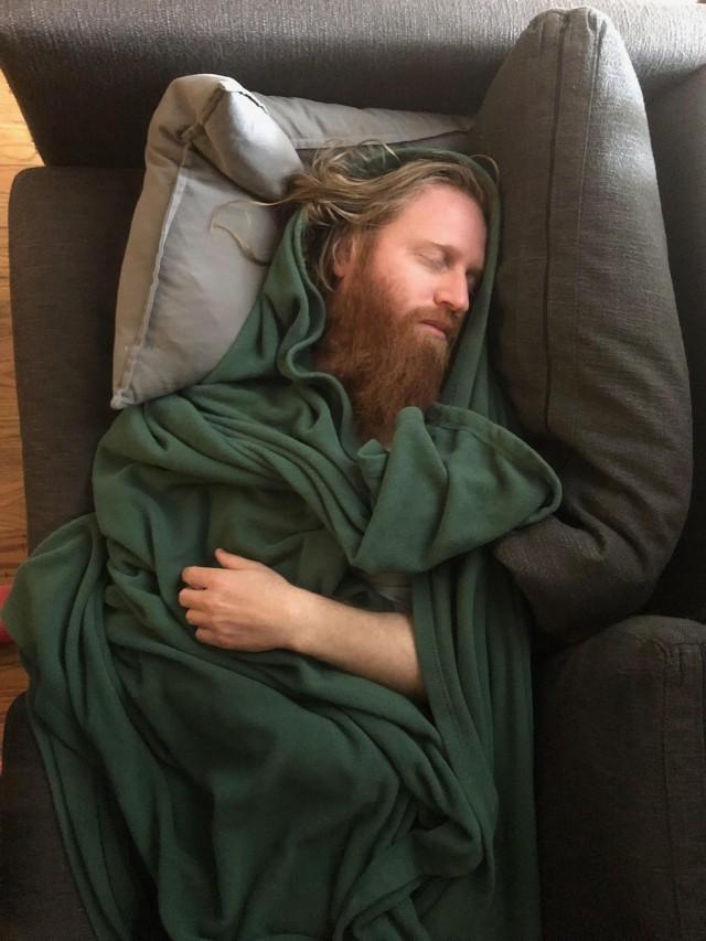 «Друг сфотографировал меня, пока я спал». Автор goldilocksdeluxe