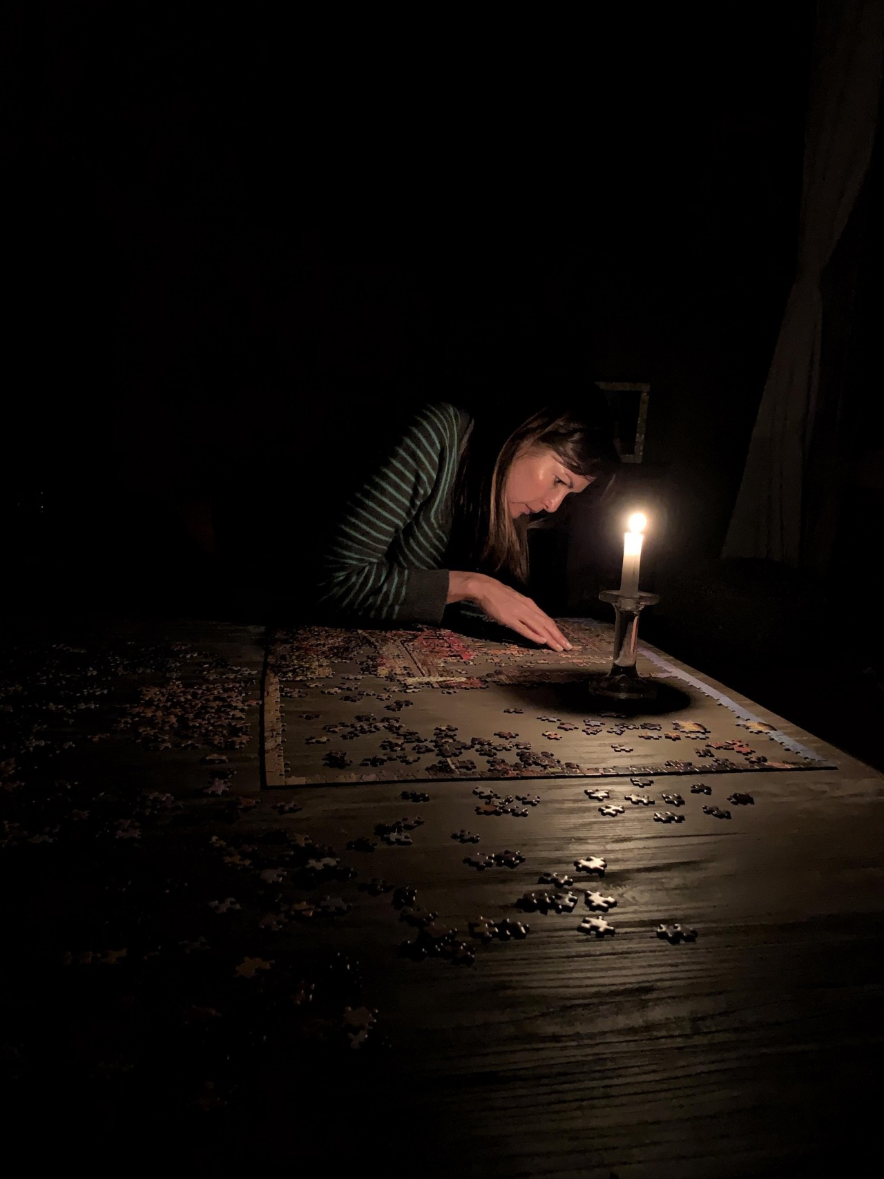 Пазлы при свечах. Автор cali_triumph