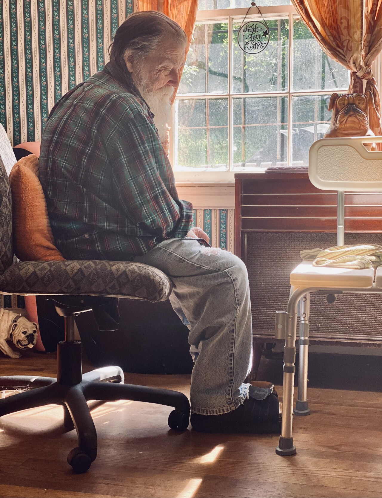 «Мой отец у окна». Автор buterbetterbater