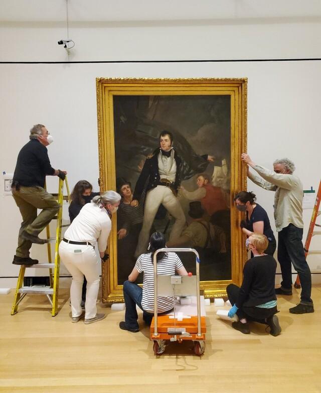 Подготовка к выставке, Музей Пибоди в Эссексе. Фотограф Джо МакФадзен