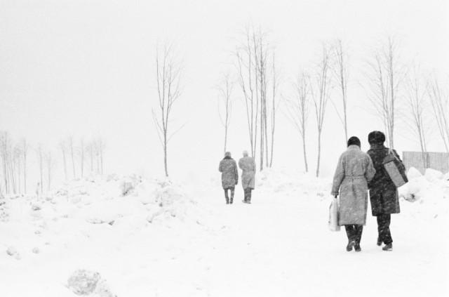 Окраина Москвы, снегопад, 1977. Фотограф Игорь Пальмин