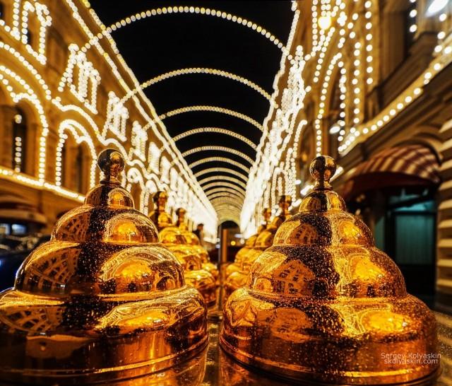 Golden domes, Moscow. Photographer Sergey Kolyaskin