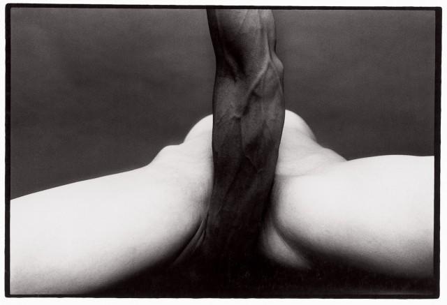 Объятия-48, 1970. Фотограф Эйко Хосоэ