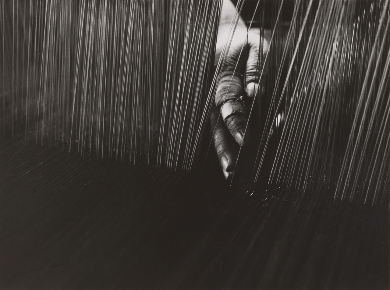 Рука Ткача, Ичиномия, Айти, 1966. Фотограф Сёмэй Томацу