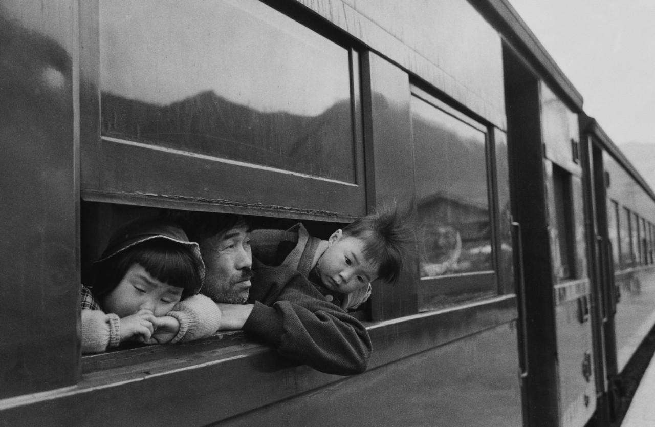 Поездка, 1959. Фотограф Сёмэй Томацу