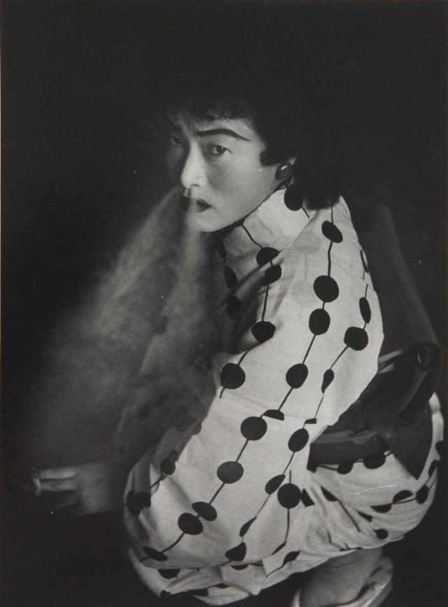Проститутка, Нагоя, 1957. Фотограф Сёмэй Томацу