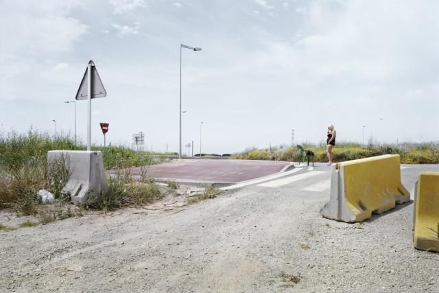 Кастельдефельс, провинция Барселона, Трасса B-204. Фотопроект «Игра в ожидание». Фотограф Чема Сальванс