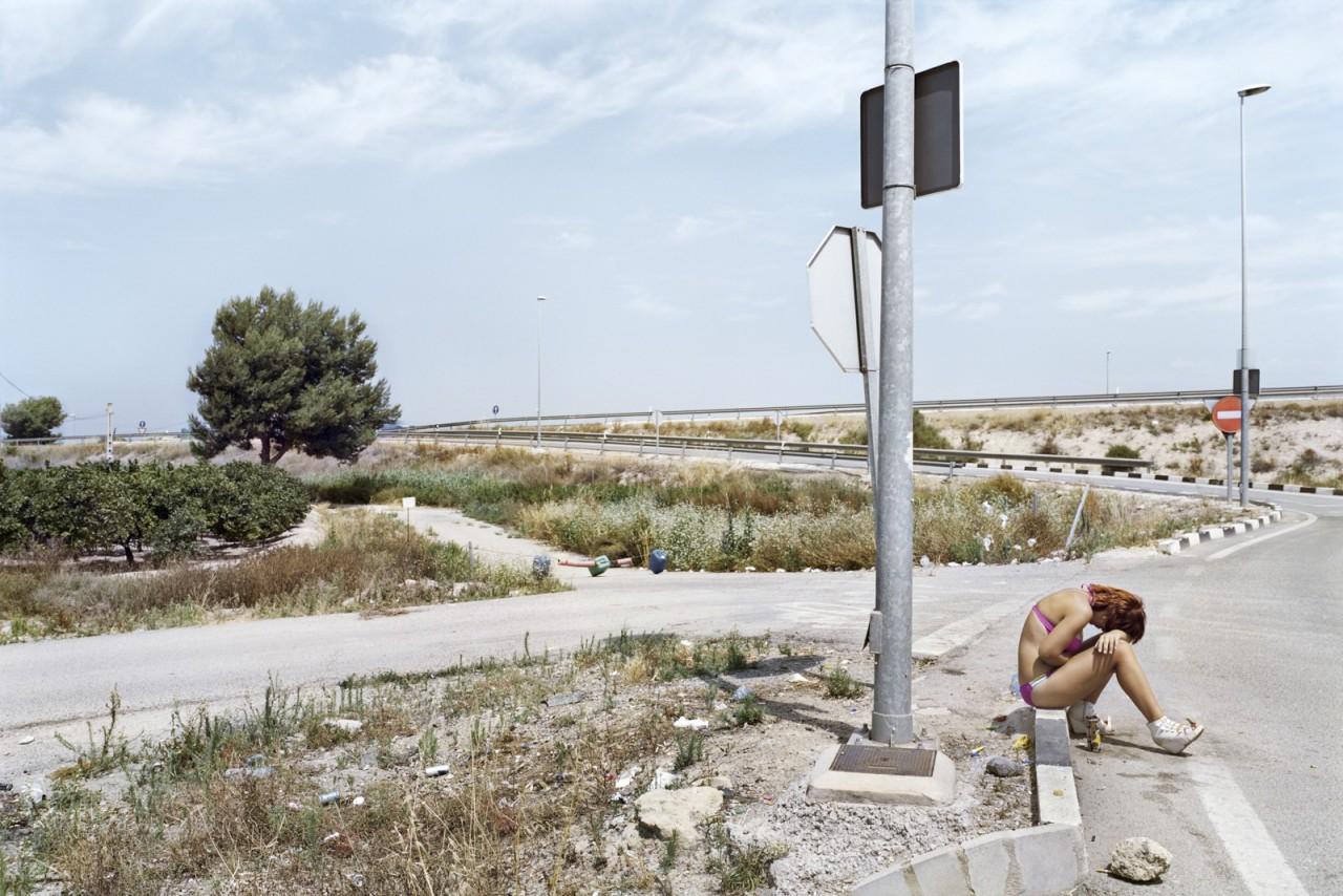 Торревьеха, провинция Аликанте, Трасса CV-91. Фотопроект «Игра в ожидание». Фотограф Чема Сальванс