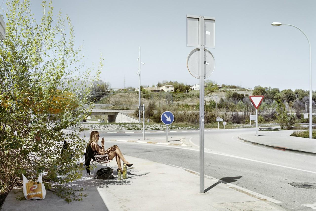 Сан-Селони, провинция Барселона, Трасса C-35. Фотопроект «Игра в ожидание». Фотограф Чема Сальванс