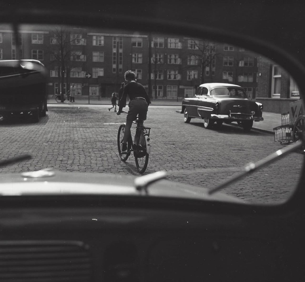 Движение, Амстердам, 1950-е. Фотограф Кис Шерер