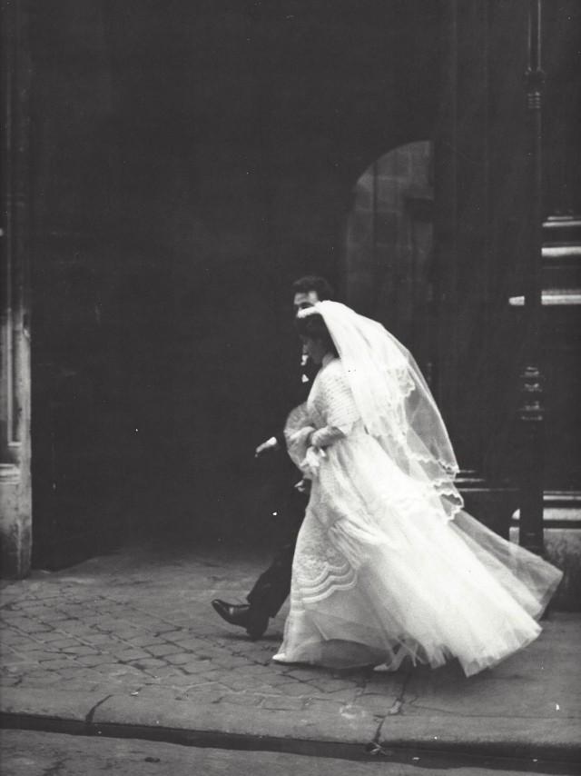 Жених и невеста, Париж, 1950-е. Фотограф Кис Шерер