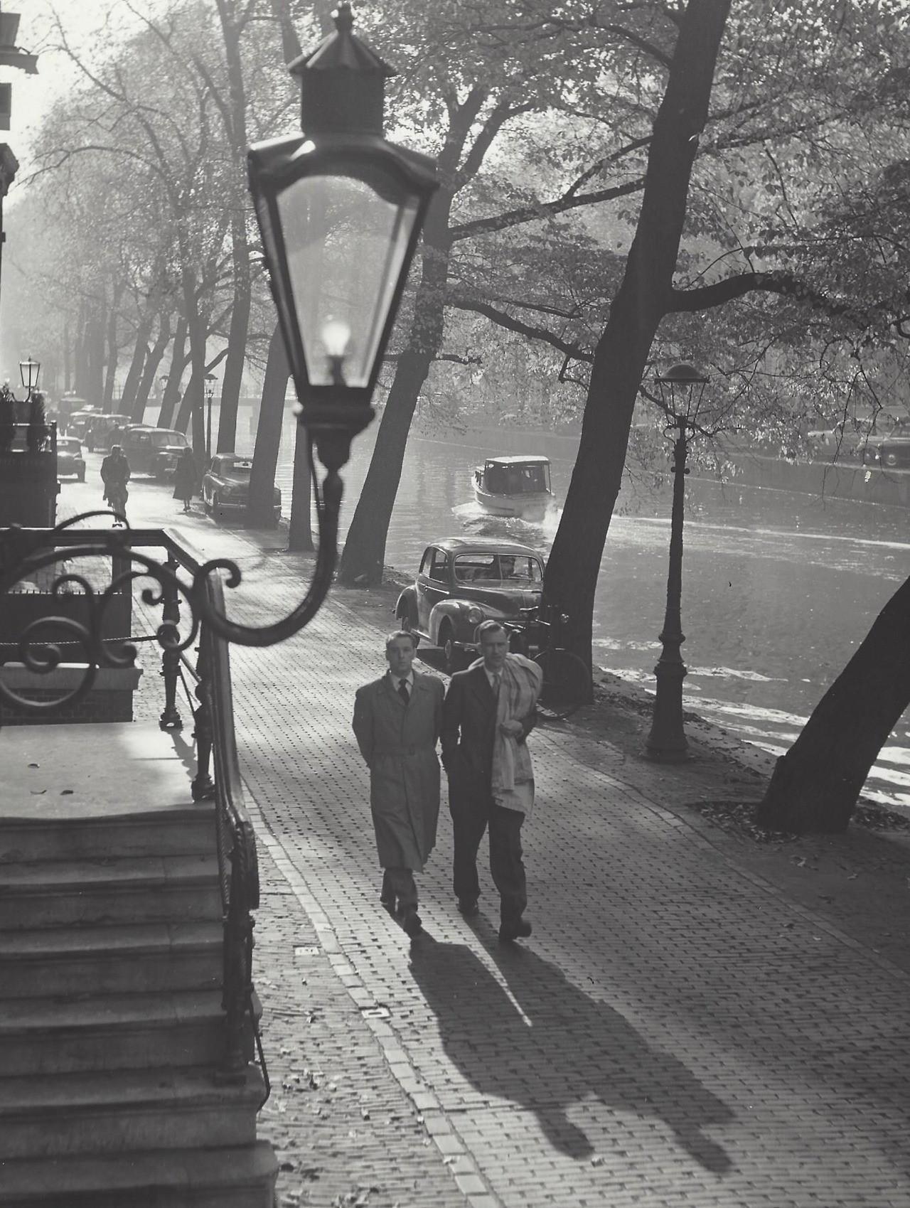 Осень в Амстердаме, 1950-е. Фотограф Кис Шерер