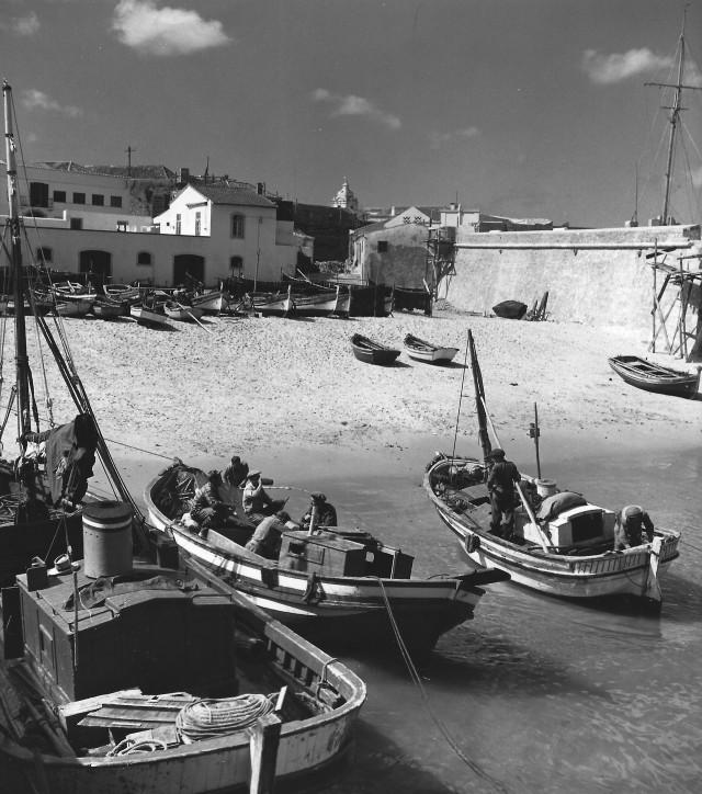 Портиман (иногда Портимау), Алгарве, Португалия, 1957–1962. Фотограф Кис Шерер