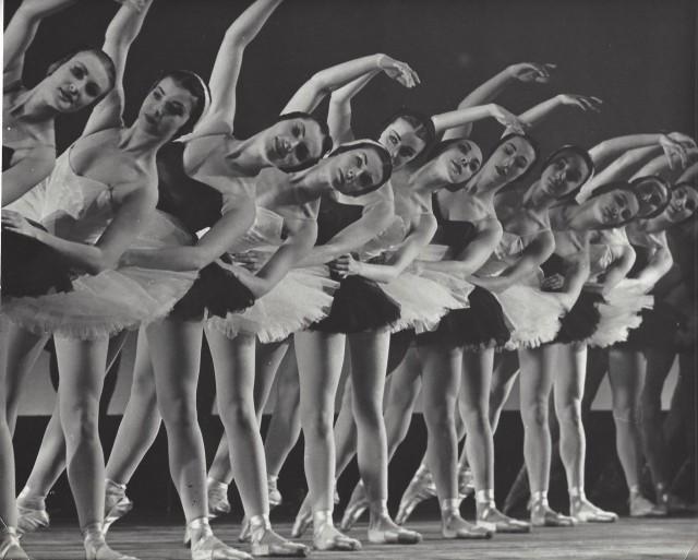 Балетный класс, Париж, 1950-е. Фотограф Кис Шерер