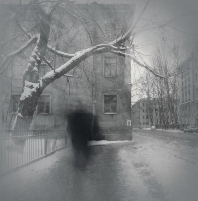 Незнакомец, 1996. Чёрно-белая магия Санкт-Петербурга.  Фотограф Алексей Титаренко