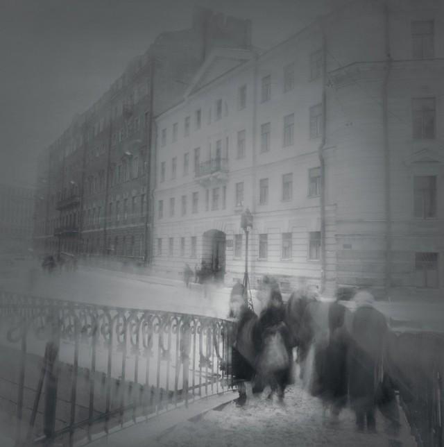 Сенной мост, 1994. Чёрно-белая магия Санкт-Петербурга.  Фотограф Алексей Титаренко