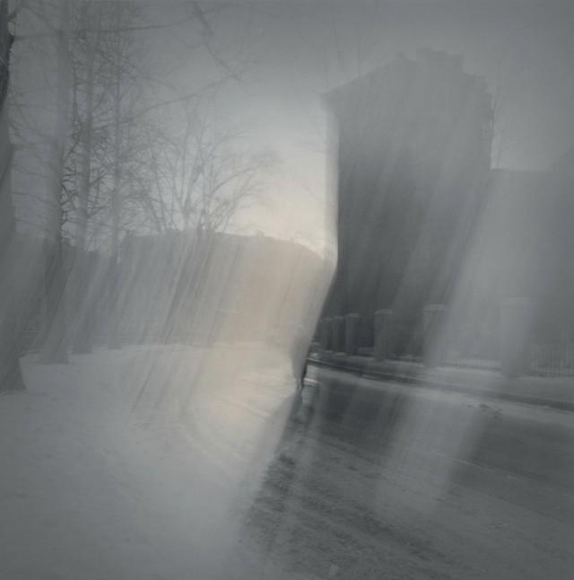 Солнечный свет на углу у канала Грибоедова, 1995. Чёрно-белая магия Санкт-Петербурга.  Фотограф Алексей Титаренко
