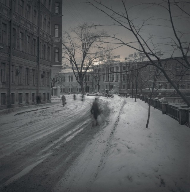 У Львиного моста, 1997. Чёрно-белая магия Санкт-Петербурга.  Фотограф Алексей Титаренко