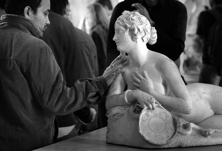 «В музее». Лувр, 2011. Фотограф Владимир Базан