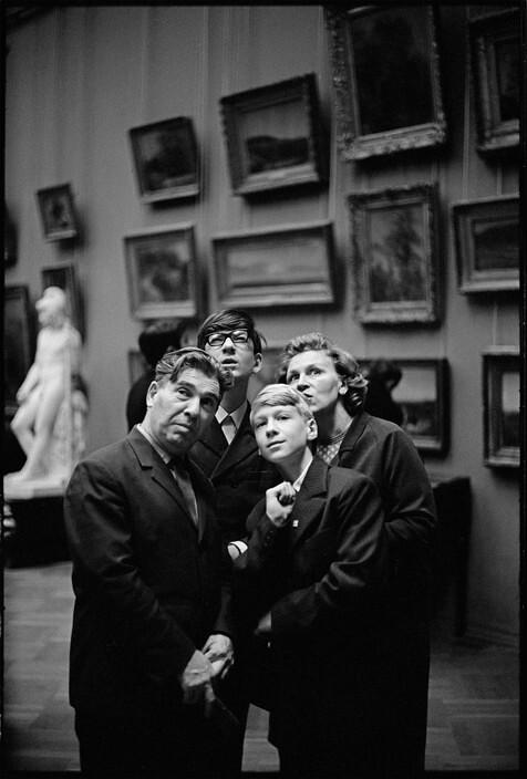 В Третьяковской галерее, Москва, 1972. Фотограф Анри Картье-Брессон
