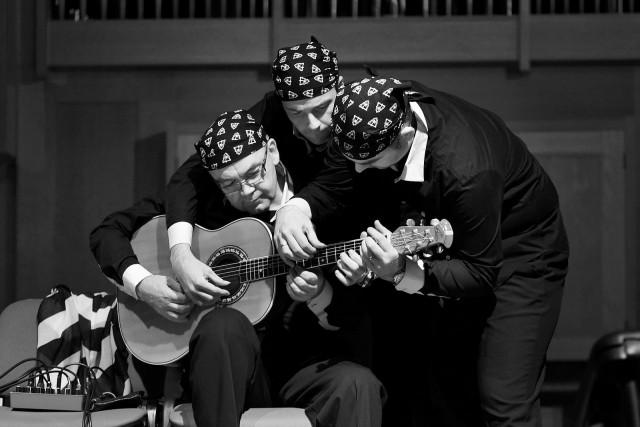 """Трио """"Балкан Стрингз"""" на концерте в Ульяновске"""