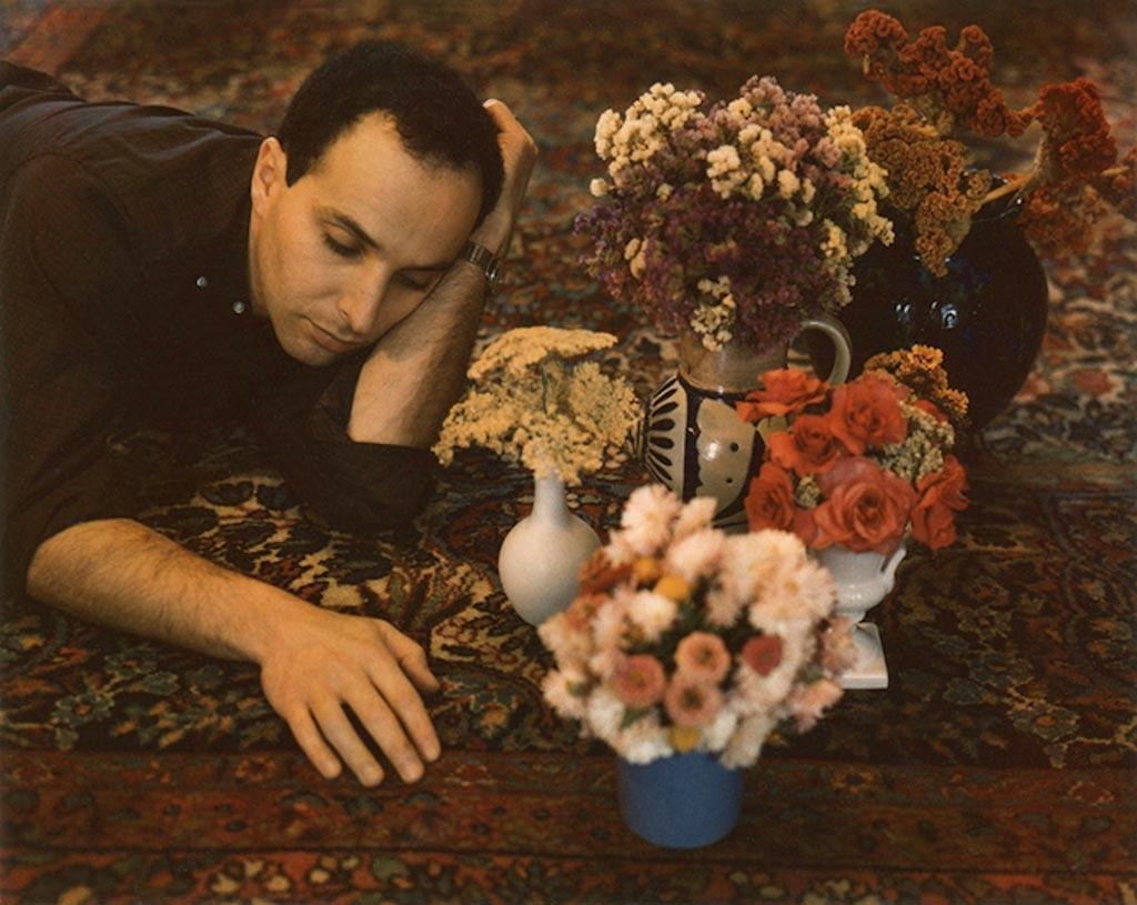 Натан с цветами, 1962-1963 год, Polaroid. Фотограф Мари Косиндас
