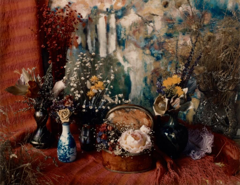 Композиция с картиной Мари Косиндас, 1965 год. Фотограф Мари Косиндас
