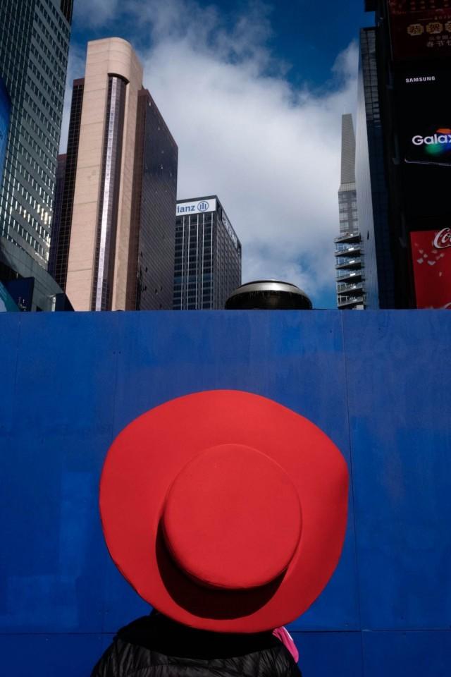 Финалист, 2020. На Таймс-сквер в Нью-Йорке в январе 2020 года. Фотограф Нина Уэлч-Клинг