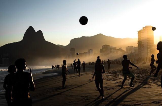 Выбор жюри, 2021. Пляж в Рио-де-Жанейро. Фотограф Сандра Каттанео Адорно