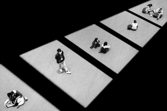 2-е место в категории «Одиночное изображение», 2021. Социальное дистанцирование в Гонконге. Фотограф Джейсон Ау