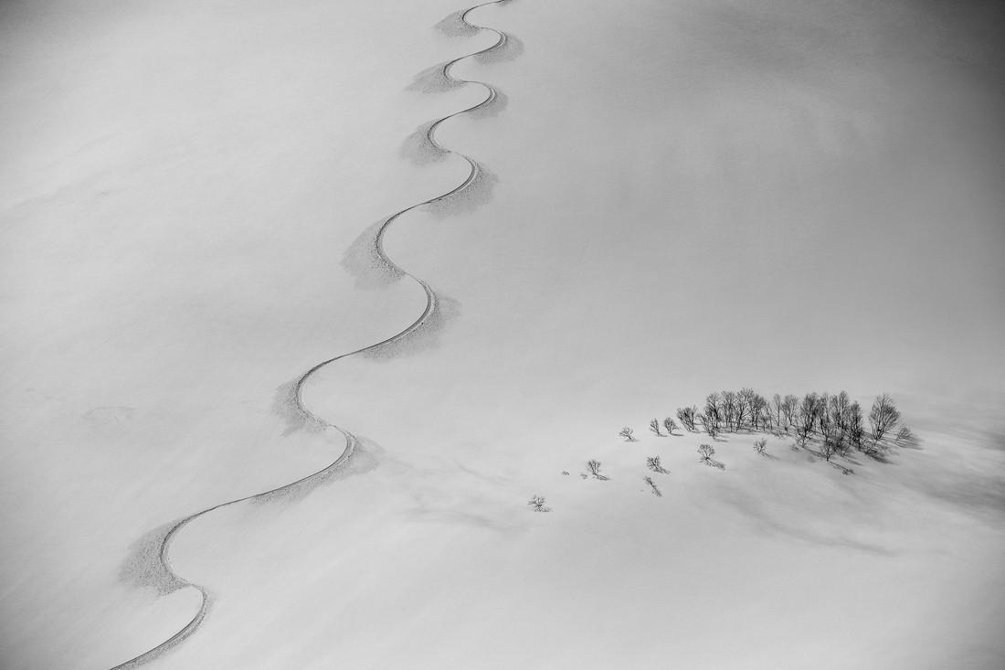 Трасса для сноуборда на горе Норикура. Близ села Хакуба, Япония. Фотограф Скотт Ринкенбергер