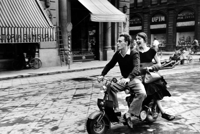 На Lambretta, 1951. Фотограф Рут Оркин