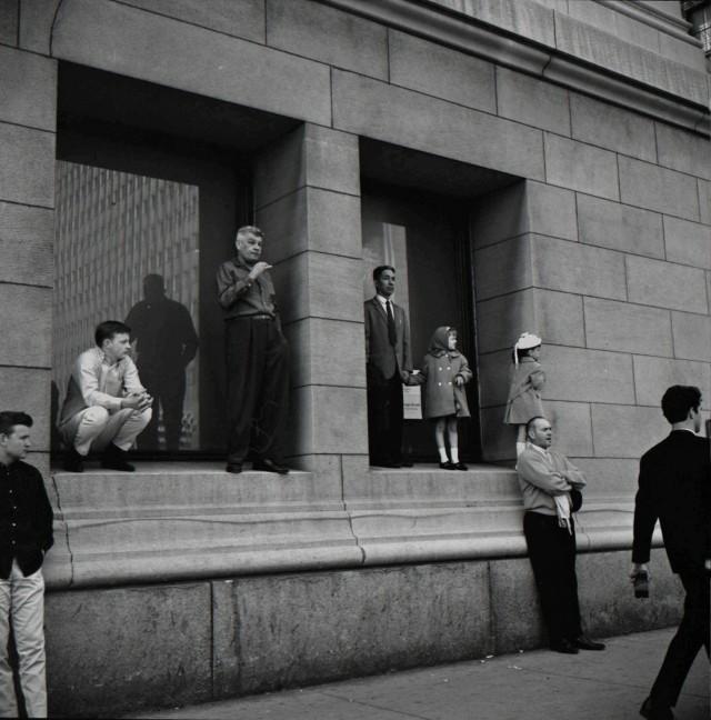 Ожидание автобуса, 1965. Фотограф Вивиан Майер