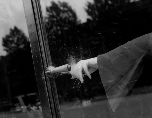 Для дома парфюмерии Guerlain. Париж, Франция, 1931. Фотограф Ли Миллер