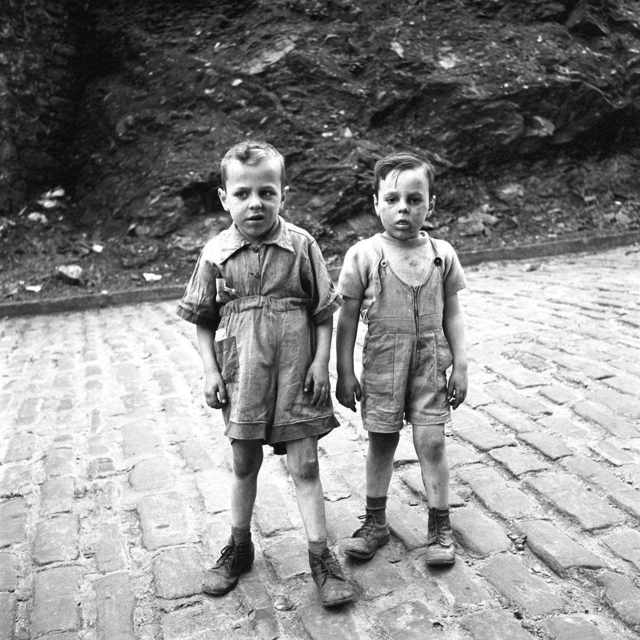 Детский уличный портрет. Фотограф Вивиан Майер