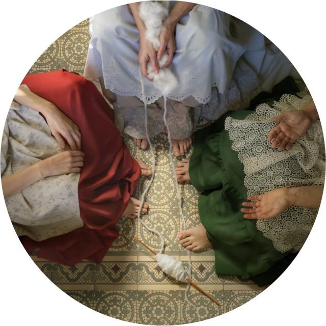 «Троица», 2020. Прядение-плетение – аллегория творения своего пути. Фотограф Катерина Белкина
