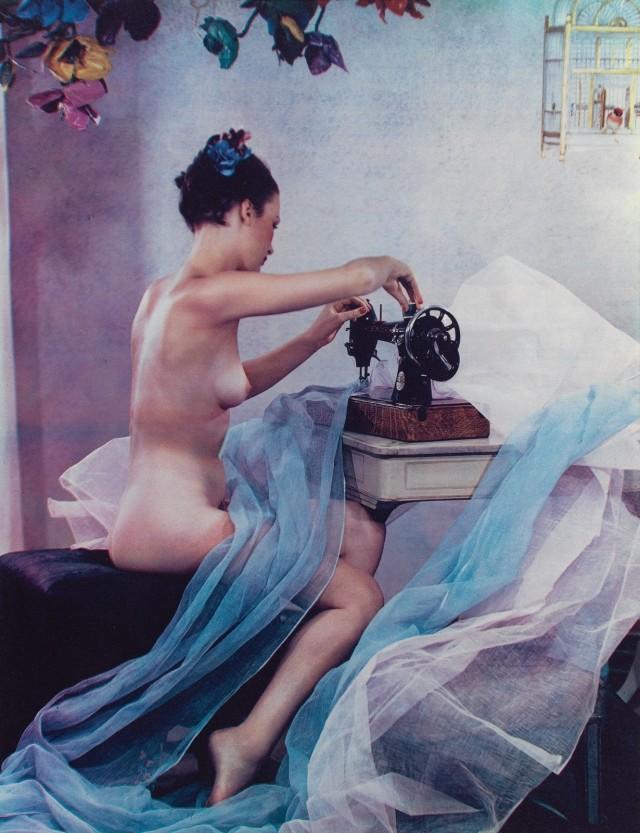 За швейной машинкой, 1937. Фотограф Madame Yevonde (Yevonde Philone Middleton)